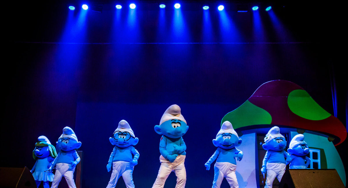 Smurfs on stage