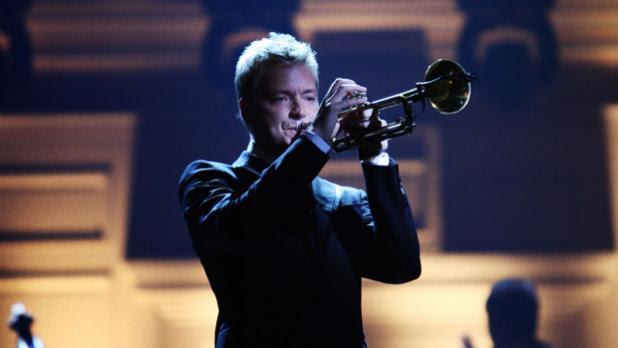 Vezi care sunt artistii alaturi de care va concerta celebrul trompetist CHRIS BOTTI